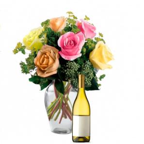Mixed Summer Roses & Bubbly Gift Set